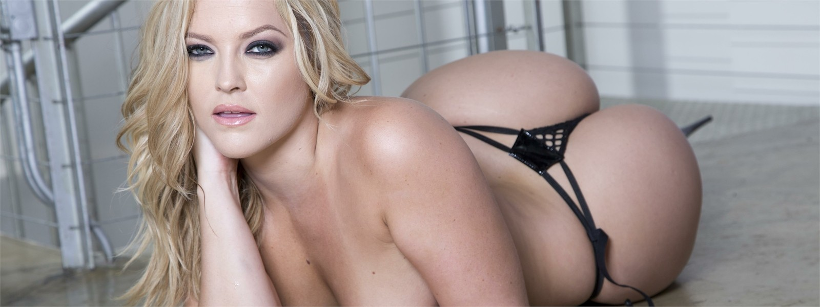 Watch scenes from Alexis Texas.